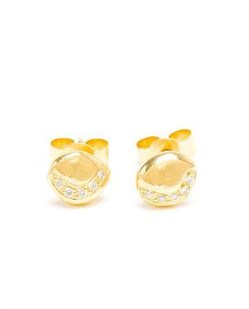 Natasha Collis 18 Karat Gold Diamond Stud Earrings white